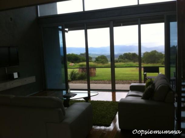 1 blog loungeroom